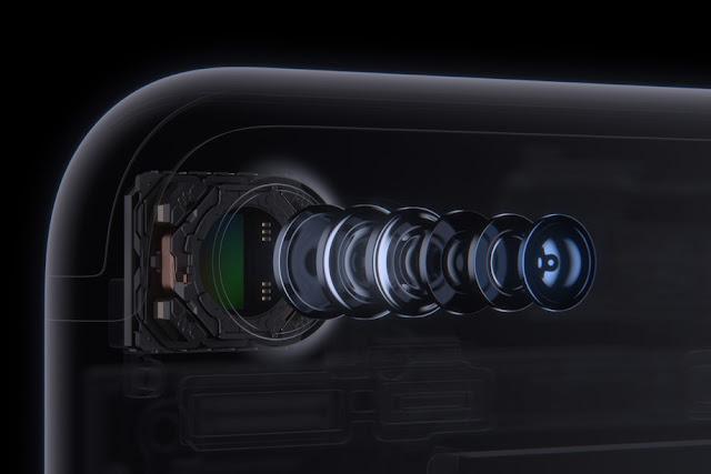 الهاتف المنتظر Apple iPhone 8 بكاميرا أمامية ثلاثية الأبعاد وهيكل عاكس للصورة