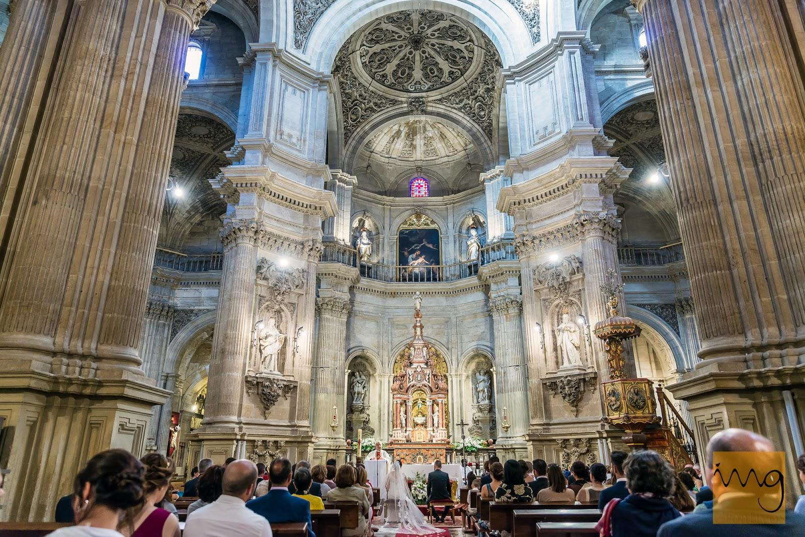 Fotografía espectacular de la iglesia del Sagrario en Granada