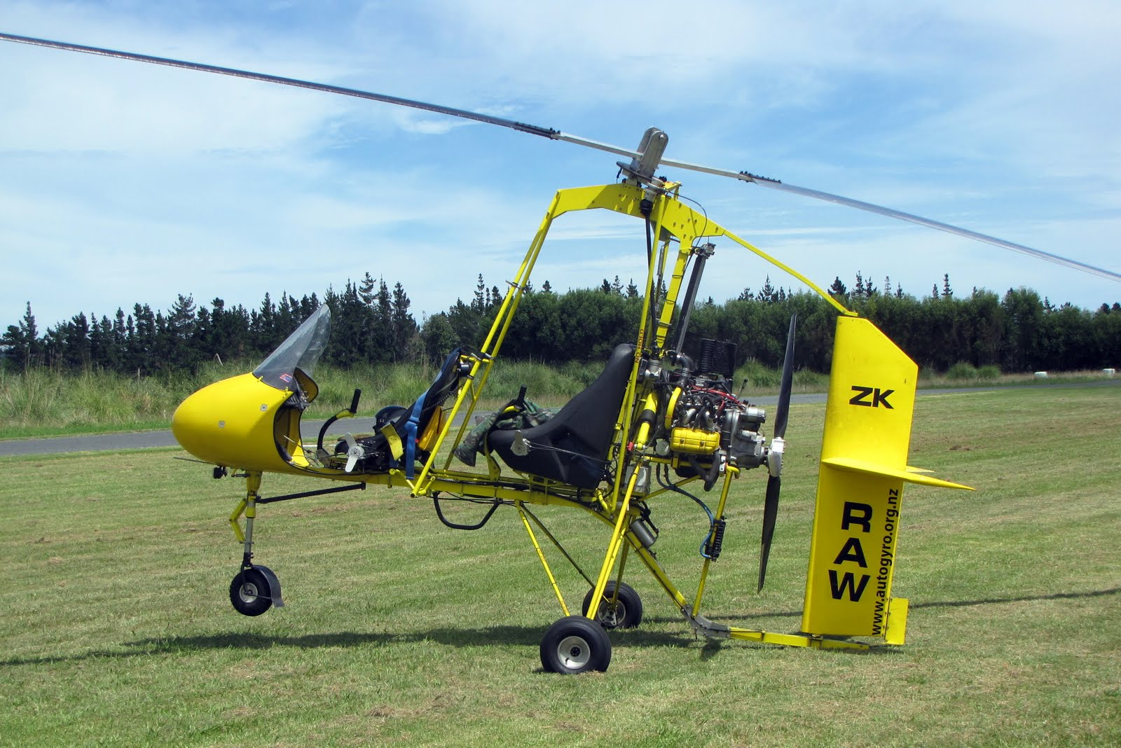NZ Civil Aircraft: Gyrocopters at Parakai
