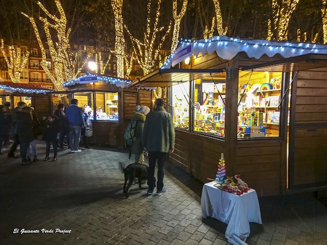 Casetas del Mercado de Navidad en Bilbao, por El Guisante Verde Project