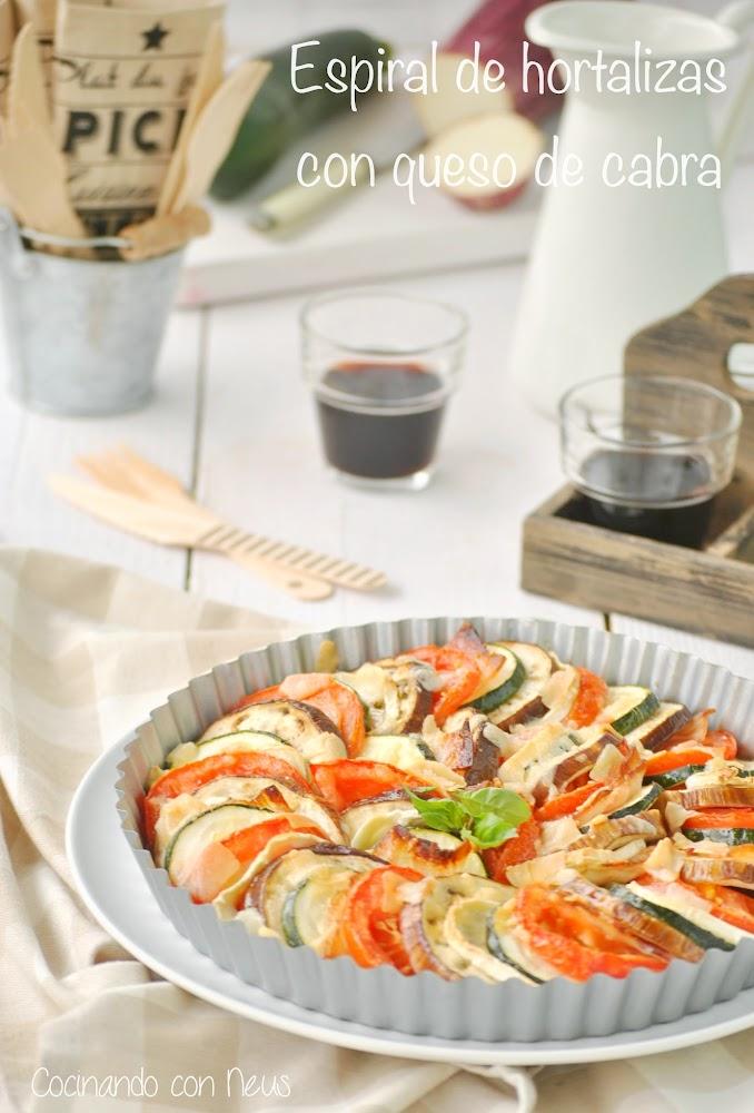 Espiral de hortalizas con queso de cabra y beicon