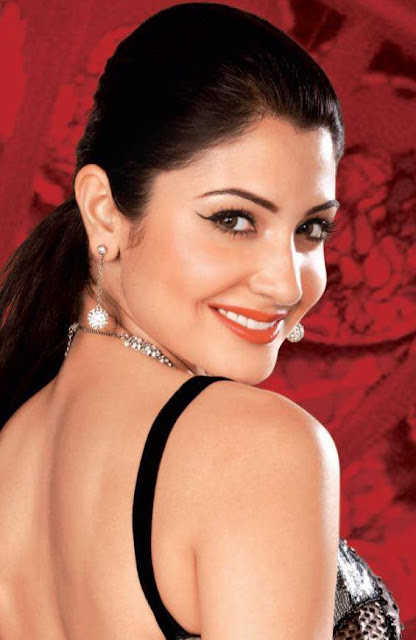 lovers Bollywood Actress Scene Real Age Actresses: Anushka ...