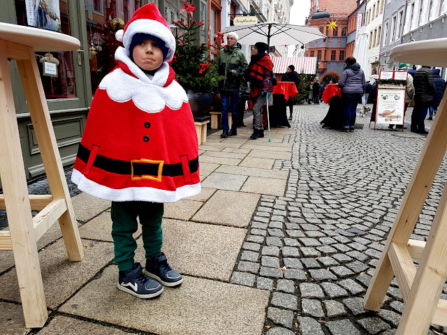 jarmark świąteczny - jarmark bożonarodzeniowy - Śląski Jarmark Bożonarodzeniowy w Görlitz Zgorzelcu - Schlesischer Christkindelmarkt Görlitz -  Śwęta Boże Narodzenie - podróże z dzieckiem