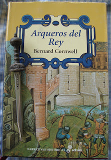 Portada del libro Arqueros del rey, de Bernard Cornwell