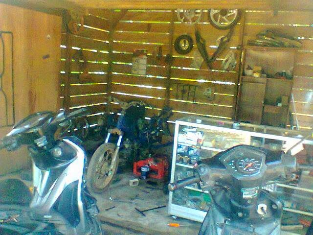 usaha bengkel motor