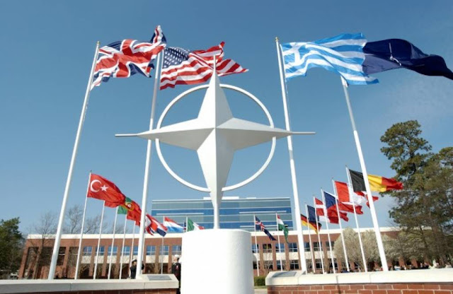 Στου ΝΑΤΟ την ποδιά σφάζονται διπλωμάτες