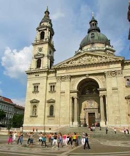 Women Zooma St. Stephen Basilica Budapest Hungary