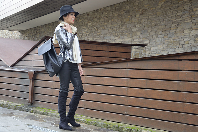 pillette-jacket-chaqueta-lentejuelas-blogger-look-mochila