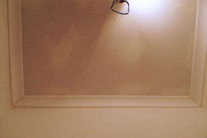 plafondlijst afwerken