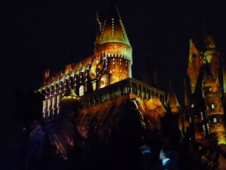 The videos shown on the castle by the projection mapping is beautiful.