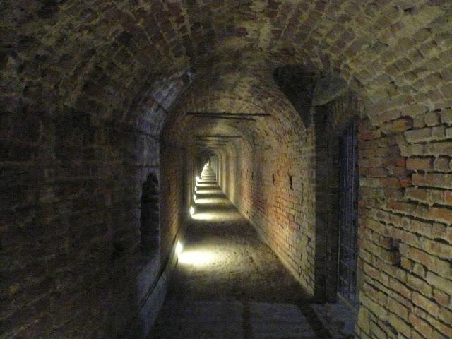 Castello-sforzesco-strada-coperta-ghirlanda
