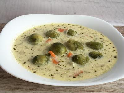 Zupa z brukselki ze śmietaną