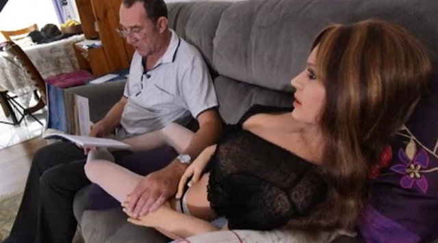 Πήρε 3 φορές διαζύγιο και βρήκε τη γυναίκα της ζωής του! [photos]