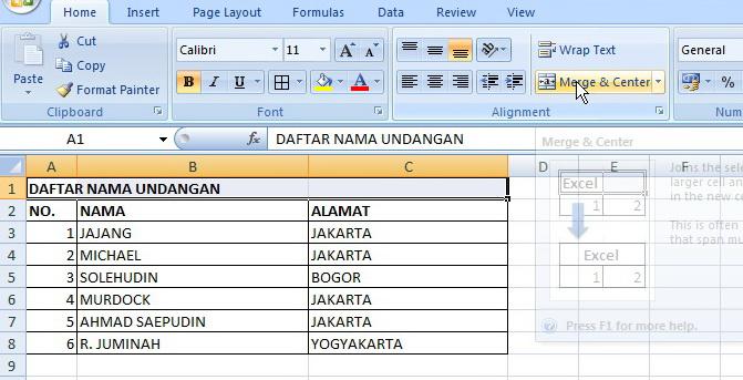 Judul tabel Excel rata tengah menggunakan Merge Cell