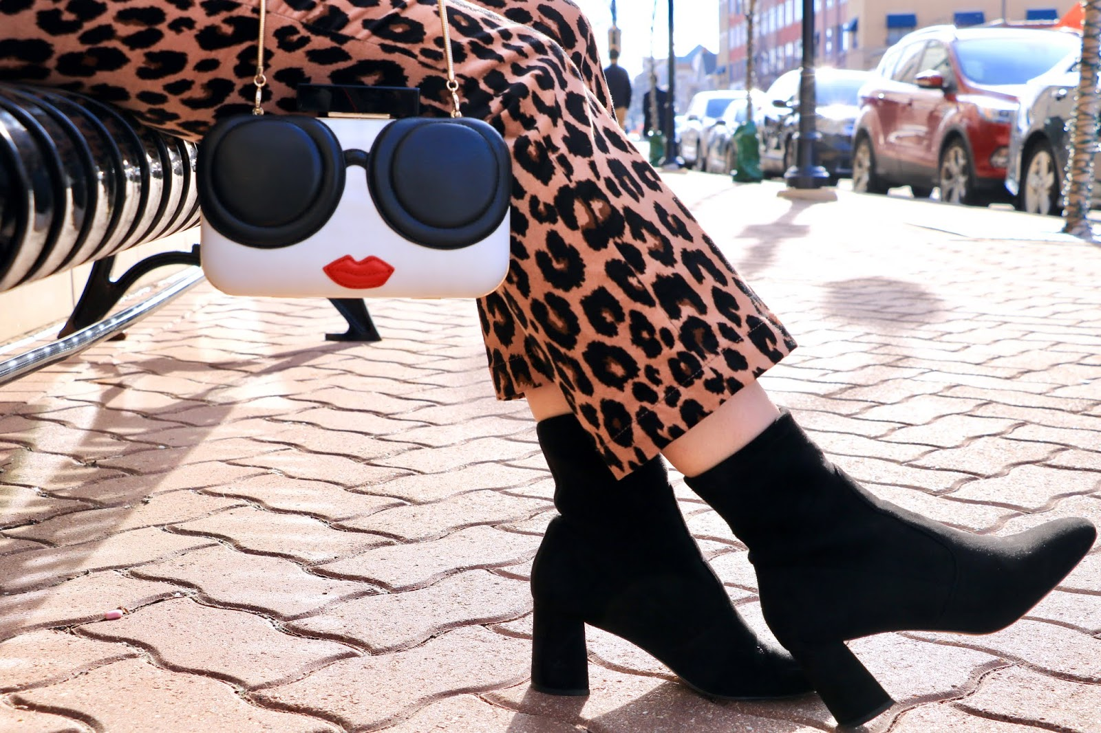 Nyc fashion blogger Kathleen Harper's Alice and Olivia face purse