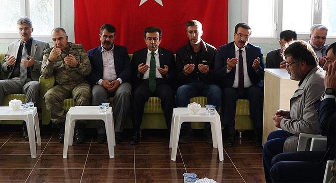 Diyarbakır Valisinden korucu ailelerine taziye ziyareti