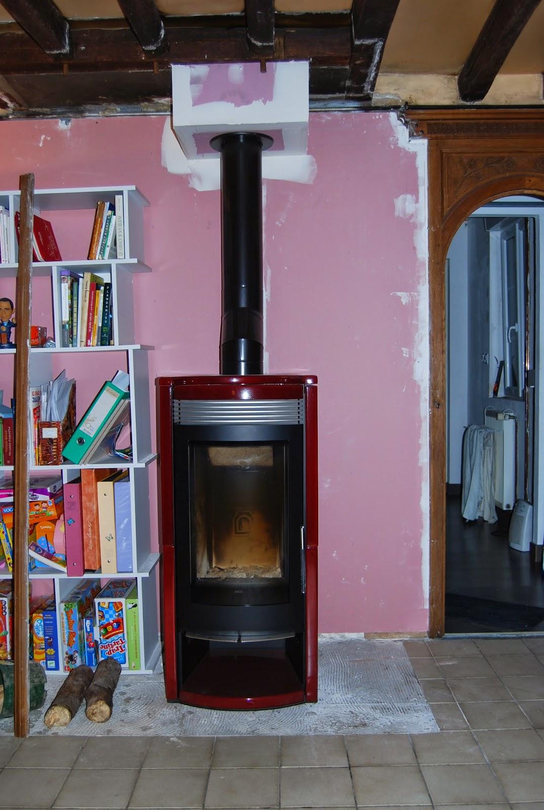 les mandarins de thuit signol pose du po le bois. Black Bedroom Furniture Sets. Home Design Ideas