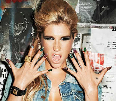 Geeks Fashion Celebrities Have Embraced The Crackle Nail Polish Trend
