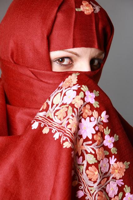 ニカブのムスリムファッション