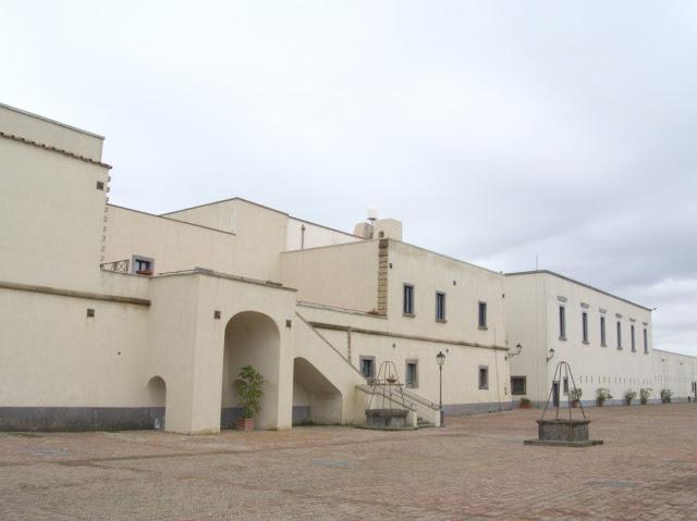 Wzgórze Vomero zamek Sant'Elmo