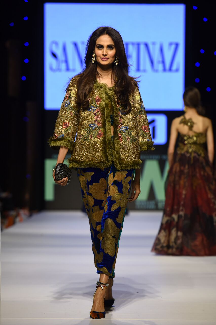 b038bd0641 Sana Safinaz is happy to comply with a classy imbued skirt of many colors  that feels like a week's vacation in one particularly fetching outfit, ...