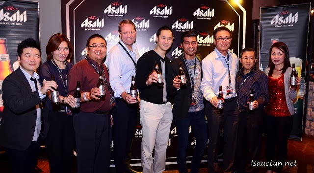 Henrik Juel Andersen, Managing Director of Carlsberg Malaysia posing with the other VIPs