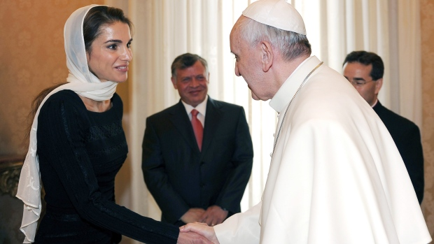 how did queen rania meet king abdullah wife