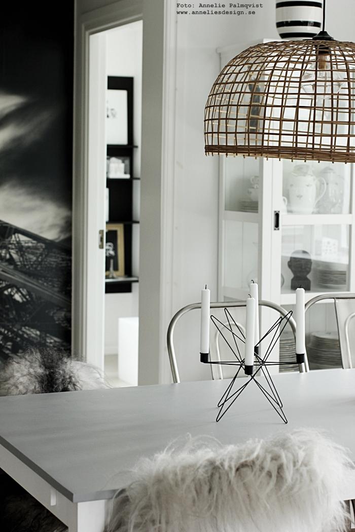 isländska fårkinn, skinn, fäll, fällar, island, annelies design, ljusstake, ljusstakar, webbutik, webshop, inredning, kök, köket, matbord, matplats, stolar med skinn på stolsryggen, skandinaviskt, skandinavisk, nordiskt, norden,