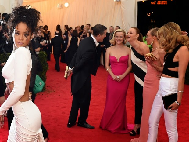 Rihanna with famous at the MET gala
