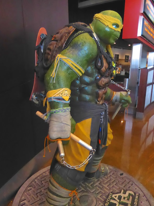 Michelangelo Ninja Turtles Out of the Shadows statue