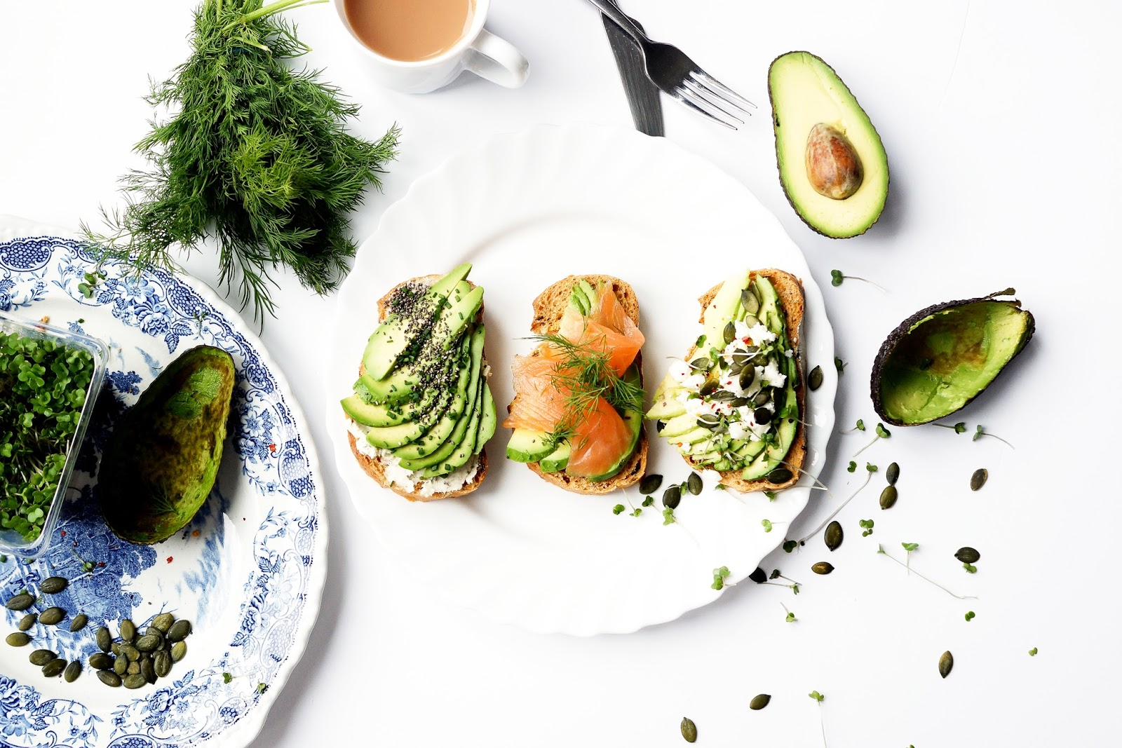 food-photography-lifestyle-avocado-toast-topping-recipe-ideas