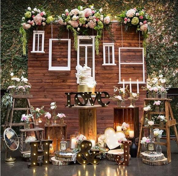 101 fiestas ventanas o puertas para decorar tu fiesta for Puertas decoradas con flores de papel