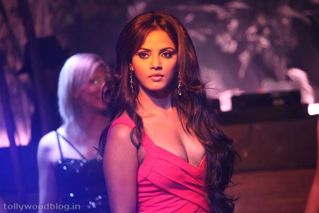 Desi Hasina K Sath Khiladi - Model page