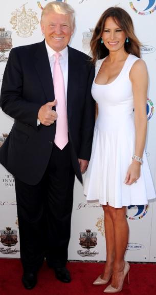 Foto de Donald Trump elegante con su esposa