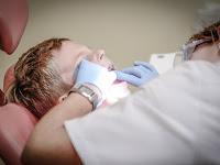 Penyebab gigi keropos dan cara mengatasinya