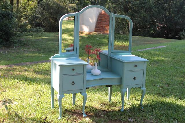 Vintage Vanity Dressing Tables