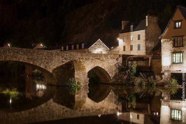Dinan noche viaje Bretaña turismo diario