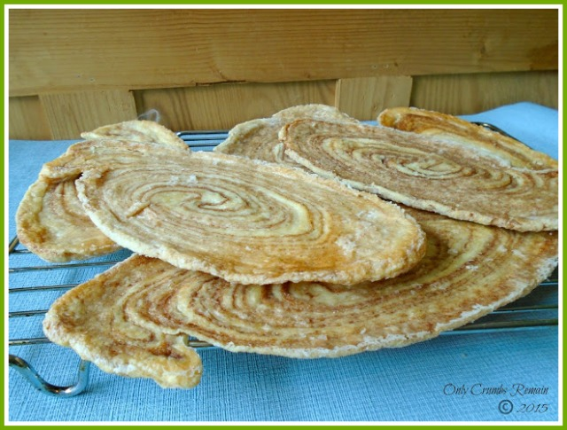 Arlettes made with reverse puff pastry and flavoured with cinnamon