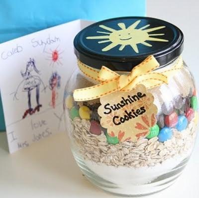Sunshine cookies merupakan hadiah tepat untuk menghangatkan diri di musim dingin, dan hadiah yang tepat untuk anak-anak.