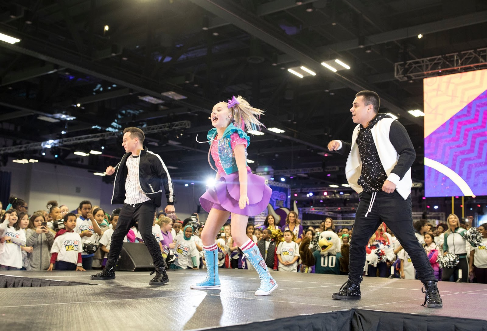 """JoJo Siwa performed at the Super Bowl Experience at the behest of  Nickelodeon. """"This is probably physically the biggest thing we do 58caf6435"""