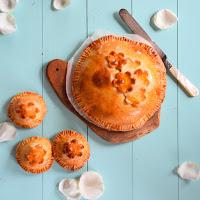 Tartes de maçã e leite condensado caramelizado