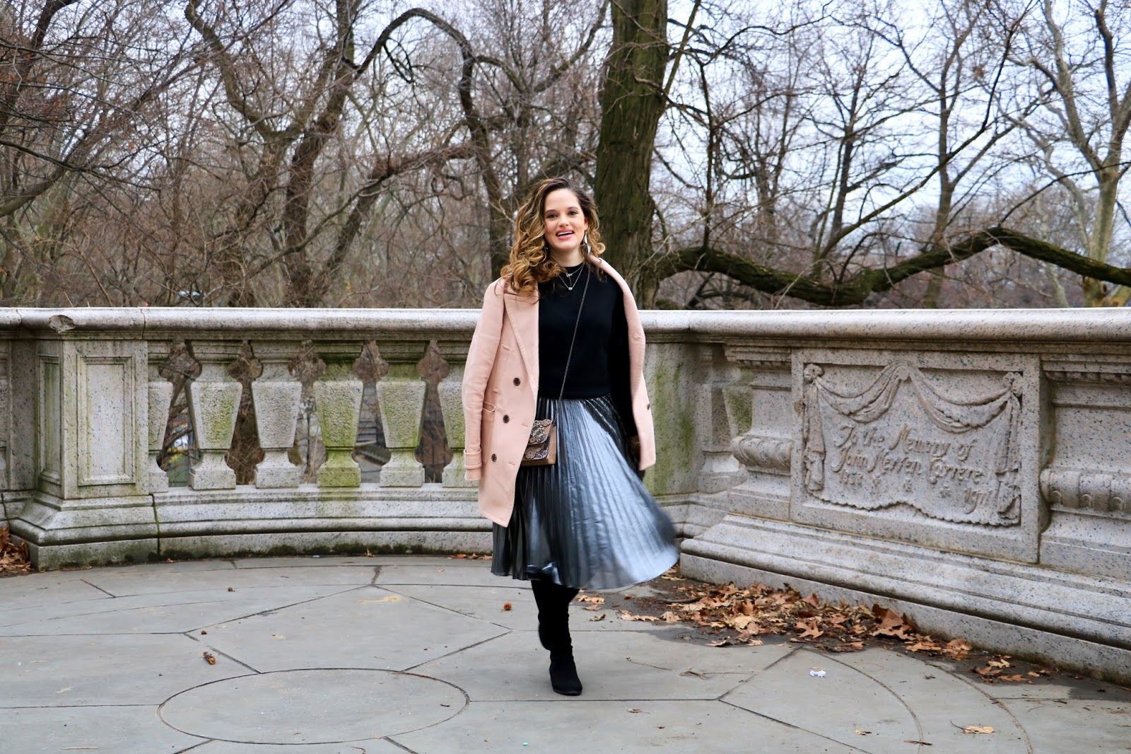 Nyc fashion blogger Kathleen Harper's metallic pleated midi skirt outfit
