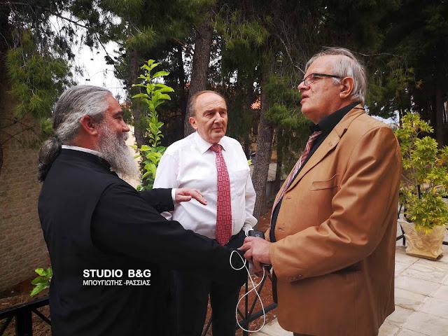 Επίσκεψη του υπ. ευρωβουλευτή Άκη Τσελέντη στο συσσίτιο Ευαγγελίστριας Ναυπλίου (βίντεο)