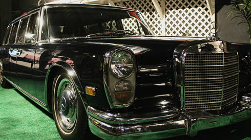 Elvis 1969 Mercedes 600 six-door limousine