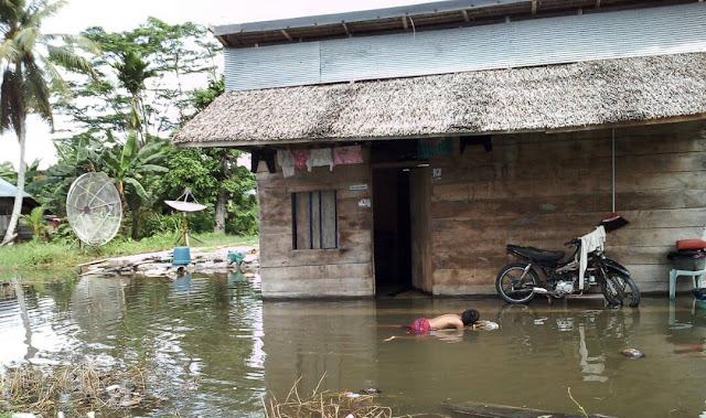 Banyak Bencana di Lutra, Wartawan Kumpul Dana