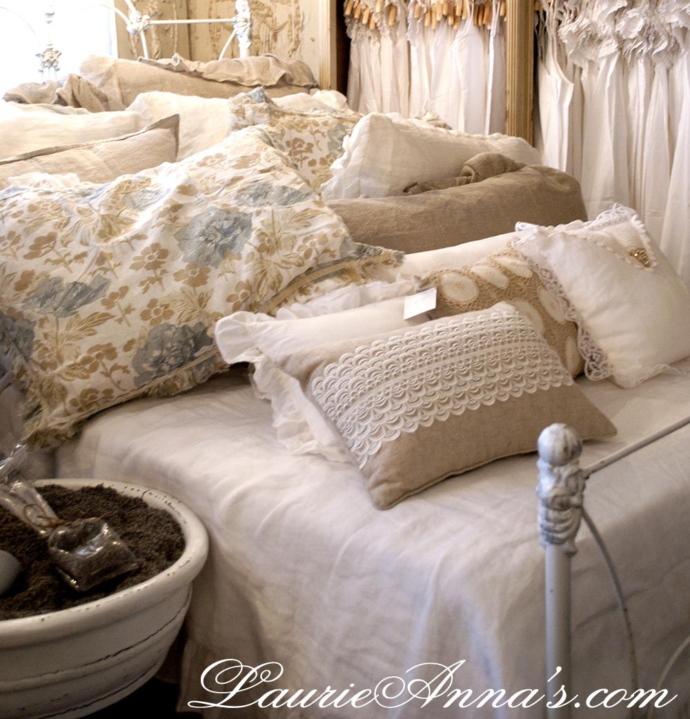 LaurieAnna's Vintage Home: Ready, Set, Shop!