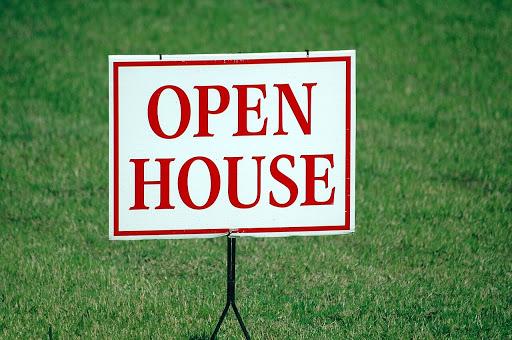 Дом открытых дверей
