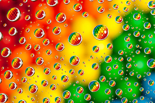 15+ Pics That Show Photography Is The Biggest Lie Ever - M&M's In Water Drops