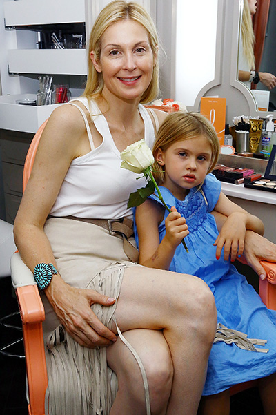 Kelly Rutherford with children