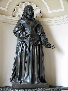 Sculpture of Lady Bankes
